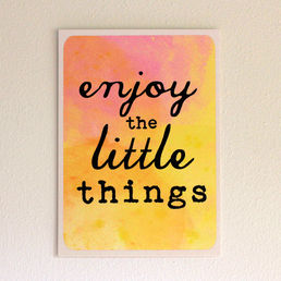 Enjoy the little things -postikortti